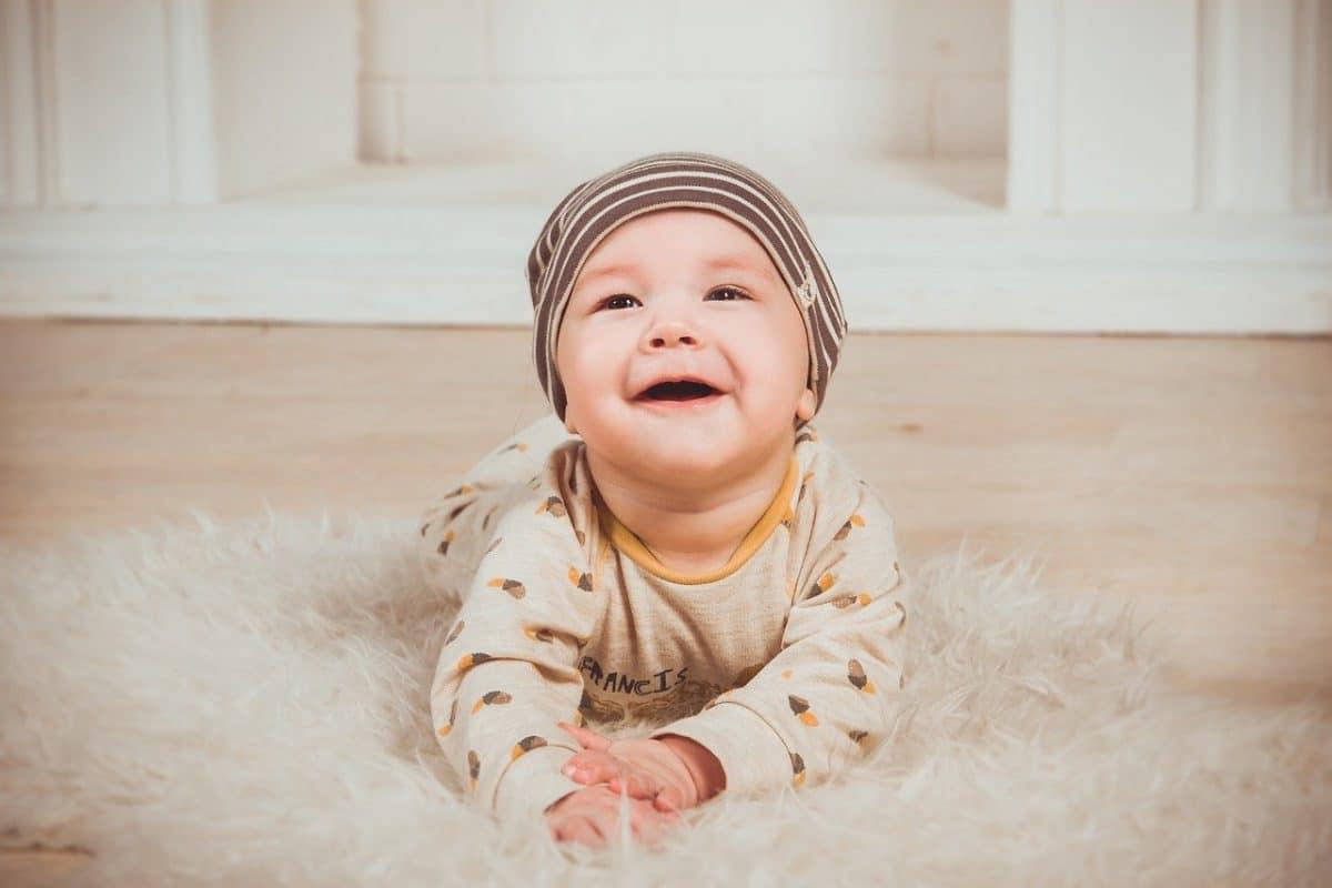 bebe de cinco meses